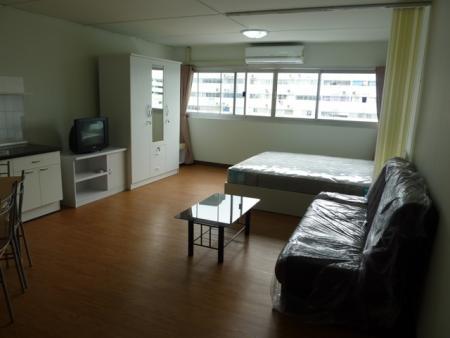 ให้เช่าห้อง   ห้องขนาดเล็กด้านนอก อาคาร C1 ชั้น 12