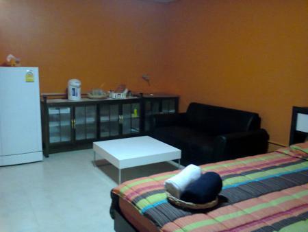 ให้เช่าห้อง  ขายห้อง ห้องเล็กด้านใน อาคาร P2 ชั้น 4