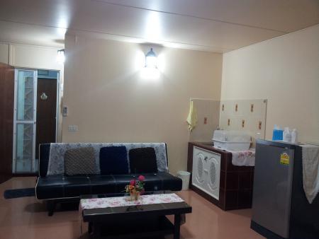 ให้เช่าห้อง   ห้องเล็กด้านนอก อาคาร C3 ชั้น 4