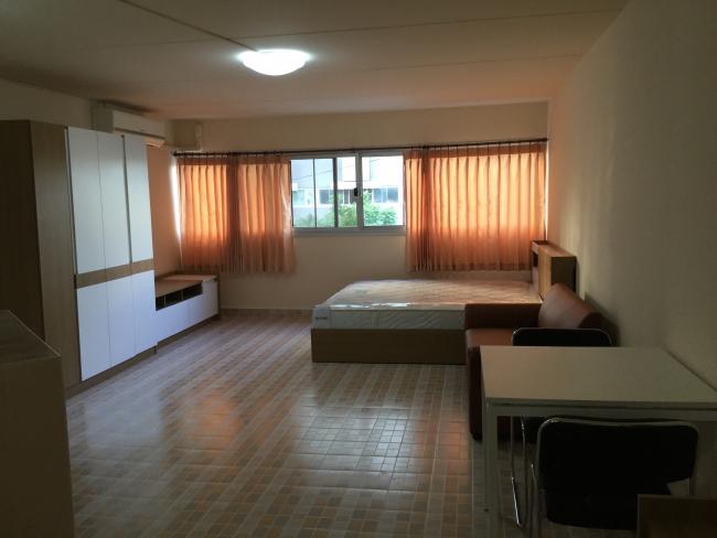 ให้เช่าห้อง   ข้างห้องมุม อาคาร P1 ชั้น 2