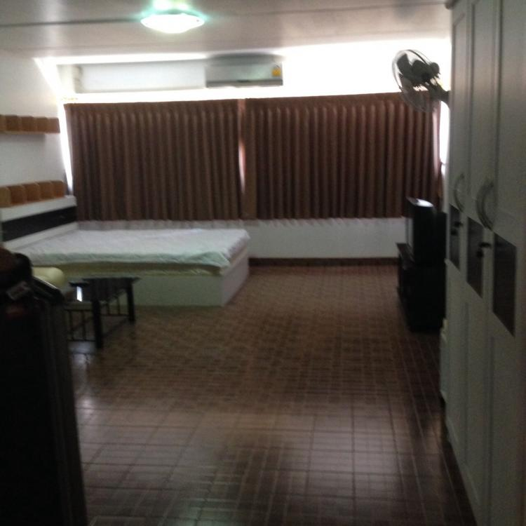 ให้เช่าห้อง   ข้างห้องมุม อาคาร C6 ชั้น 11