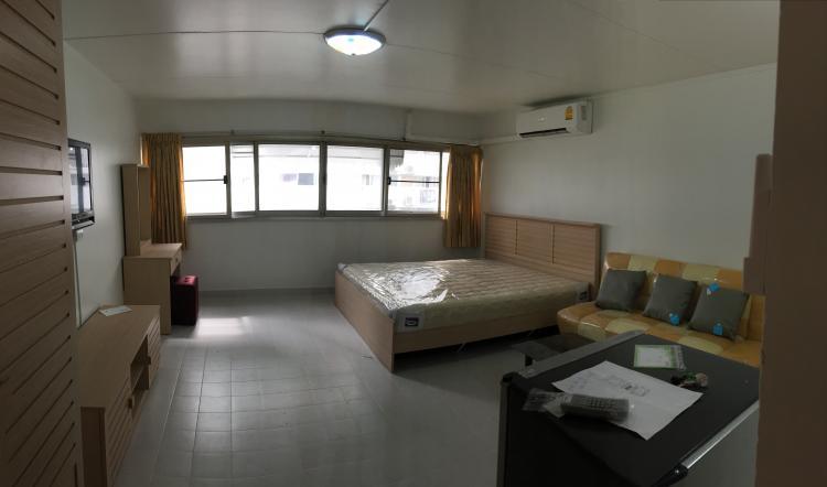 ให้เช่าห้อง   ห้องเล็กด้านนอก อาคาร C8 ชั้น 5