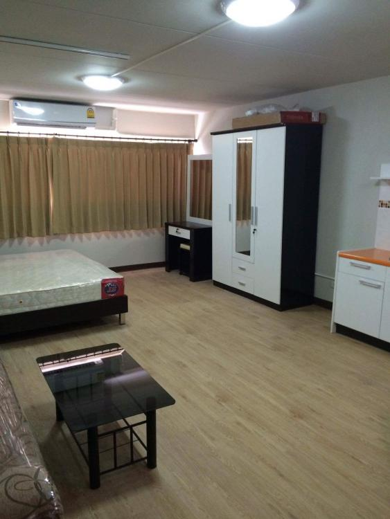 ให้เช่าห้อง   ข้างห้องมุม อาคาร T10 ชั้น 14