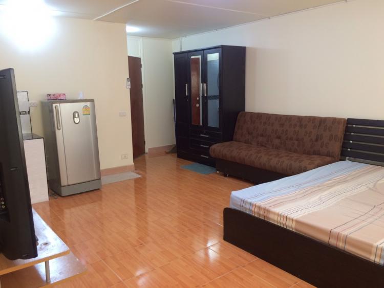 ให้เช่าห้อง   ห้องเล็กด้านนอก อาคาร C1 ชั้น 11