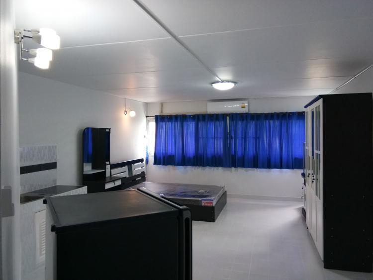ให้เช่าห้อง   ข้างห้องมุม อาคาร T10 ชั้น 2