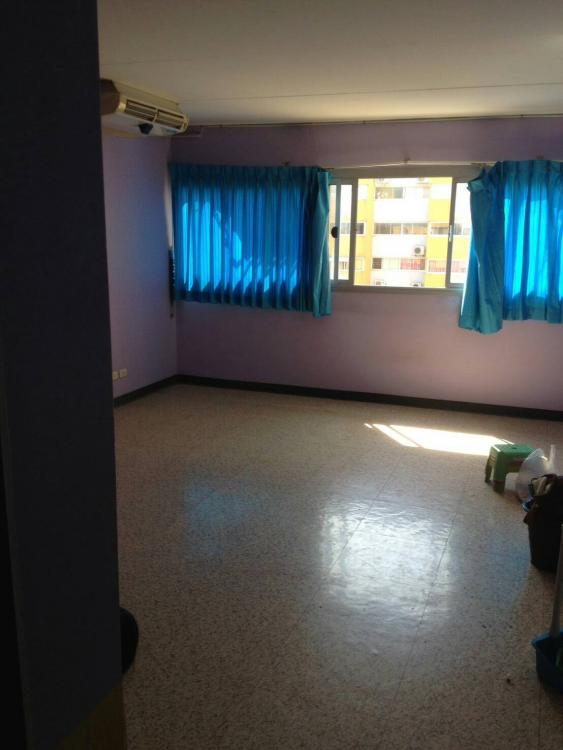 ให้เช่าห้อง   ห้องเล็กด้านใน อาคาร C7 ชั้น 15
