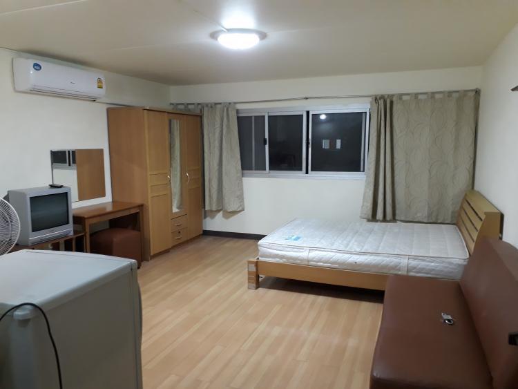 ให้เช่าห้อง   ห้องเล็กด้านนอก อาคาร C1 ชั้น 10