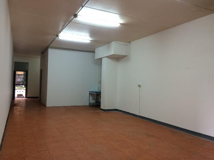 ให้เช่าห้อง   Shop ยาว อาคาร T2 ชั้น 1