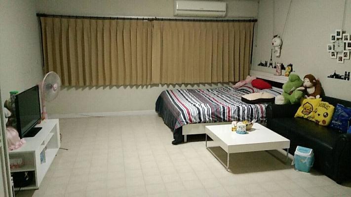 ให้เช่าห้อง   ข้างห้องมุม อาคาร C2 ชั้น 10