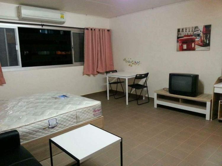 ให้เช่าห้อง   ห้องเล็กด้านนอก อาคาร T10 ชั้น 9