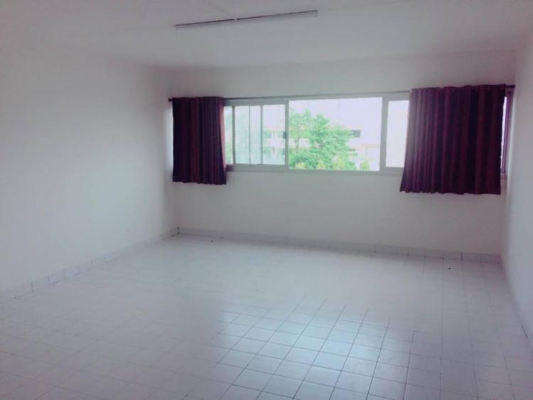 ขายห้อง ห้องเล็กด้านนอก อาคาร P2 ชั้น 3