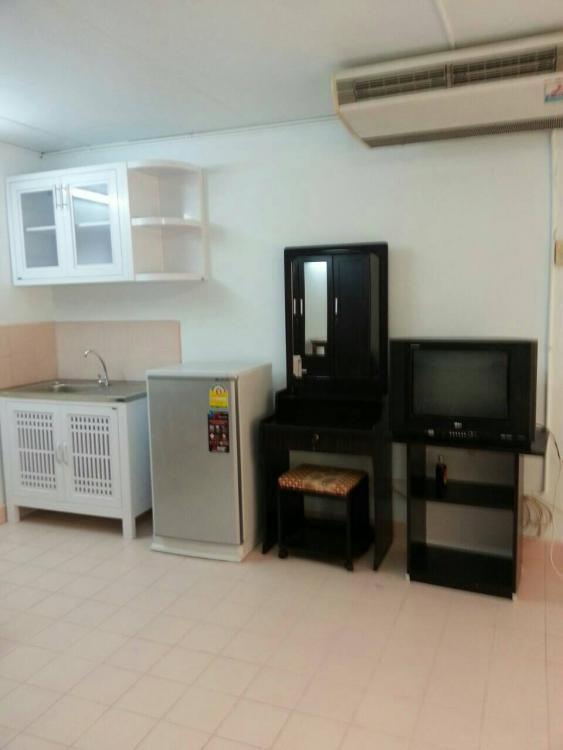 ให้เช่าห้อง   ห้องเล็กด้านใน อาคาร T8 ชั้น 4
