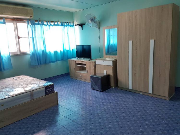 ให้เช่าห้อง   ห้องเล็กด้านนอก อาคาร T12 ชั้น 8