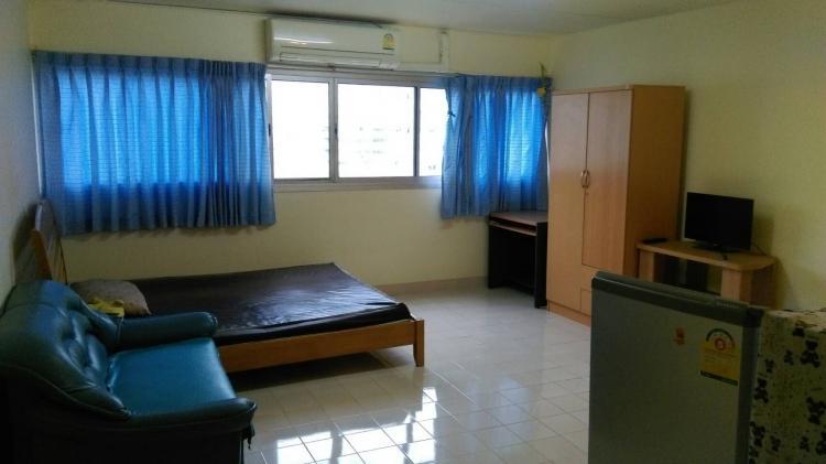 ให้เช่าห้อง   ห้องเล็กด้านนอก อาคาร C8 ชั้น 10
