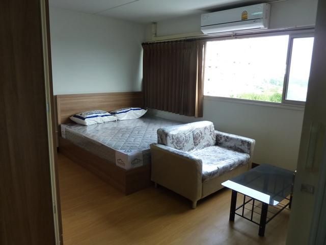 ให้เช่าห้อง   ห้องขนาดกลางด้านนอก อาคาร C6 ชั้น 7