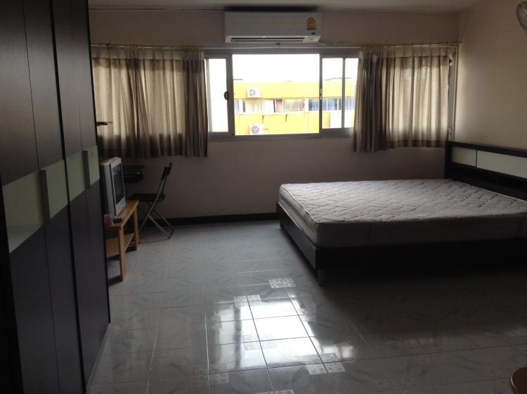 ให้เช่าห้อง   ห้องเล็กด้านใน อาคาร T2 ชั้น 14