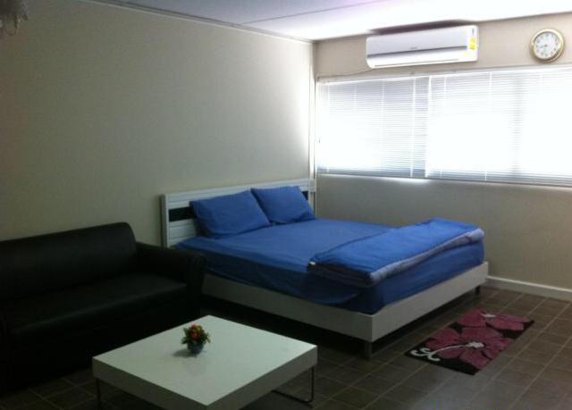 ให้เช่าห้อง   ห้องเล็กด้านใน อาคาร C2 ชั้น 12