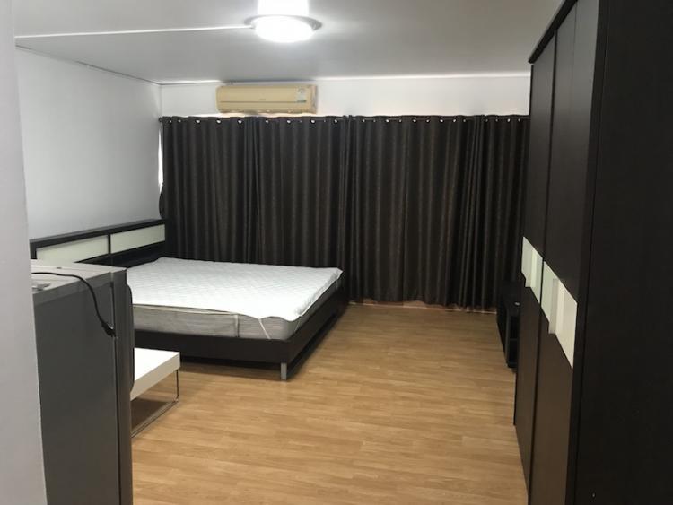 ให้เช่าห้อง   ห้องเล็กด้านนอก อาคาร T2 ชั้น 13