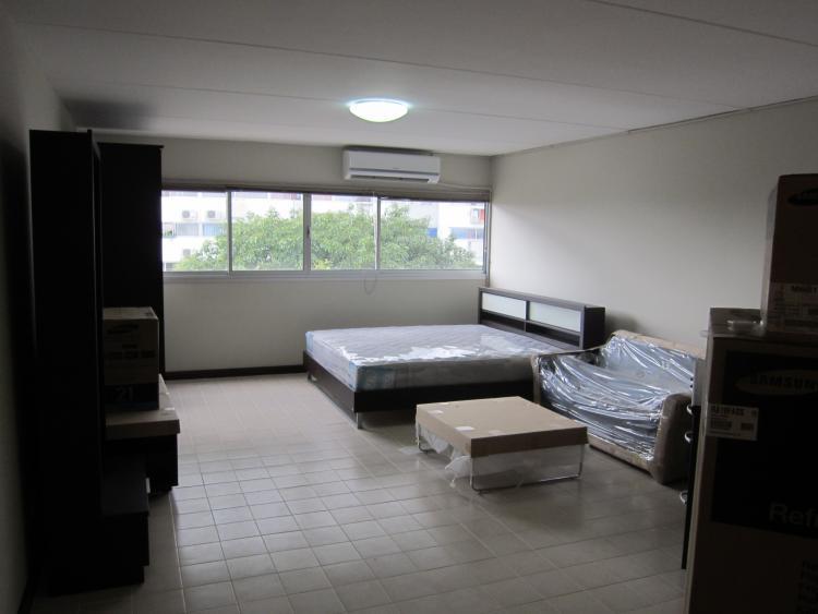 ให้เช่าห้อง   ข้างห้องมุม อาคาร P2 ชั้น 5