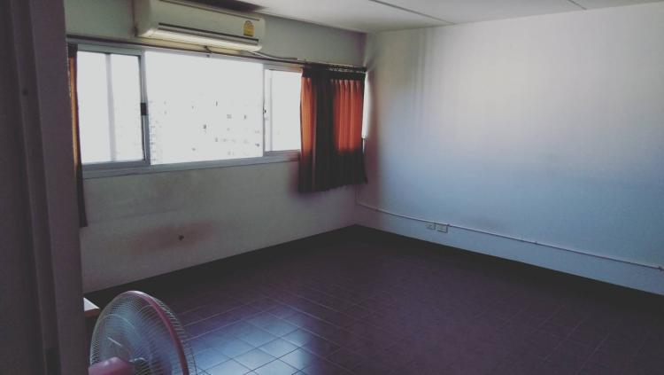 ให้เช่าห้อง   ห้องเล็กด้านนอก อาคาร C7 ชั้น 16