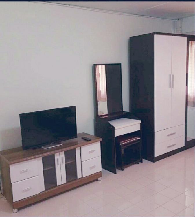 ให้เช่าห้อง   ห้องเล็กด้านใน อาคาร T10 ชั้น 10