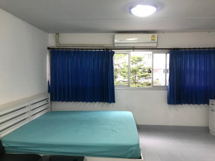 ให้เช่าห้อง   ห้องเล็กด้านนอก อาคาร C6 ชั้น 3