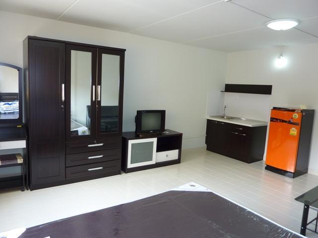 ให้เช่าห้อง   ห้องเล็กด้านใน อาคาร T3 ชั้น 1