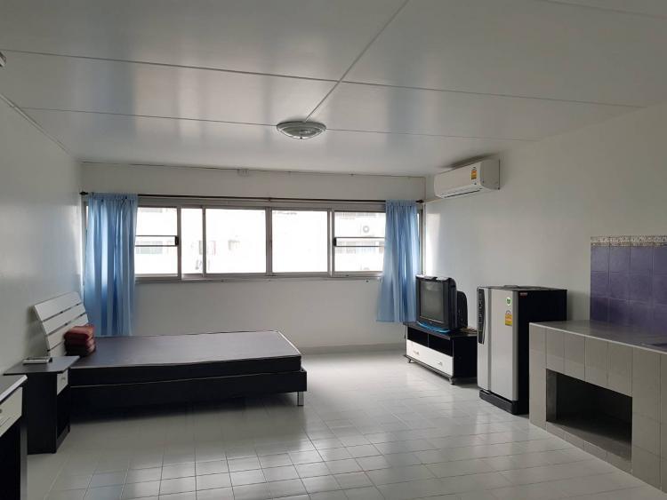 ให้เช่าห้อง   ข้างห้องมุม อาคาร C8 ชั้น 5