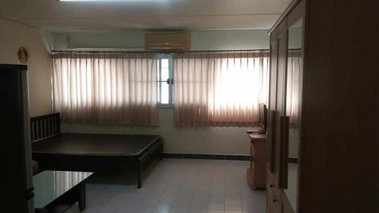 ให้เช่าห้อง   ห้องเล็กด้านนอก อาคาร T3 ชั้น 5