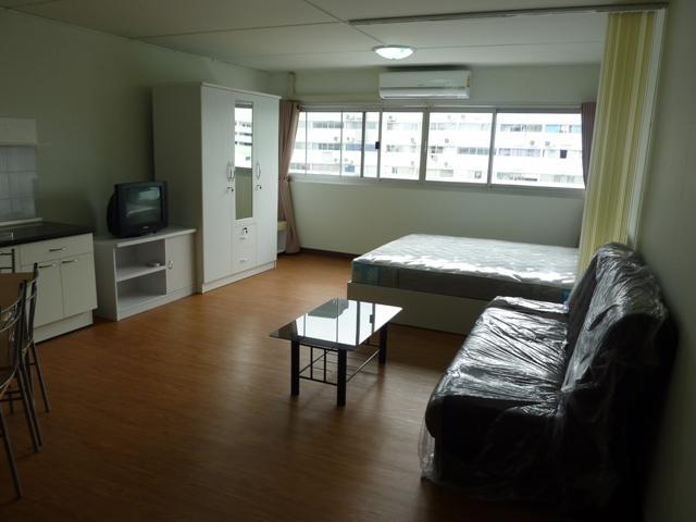 ให้เช่าห้อง   ข้างห้องมุม อาคาร T4 ชั้น 9