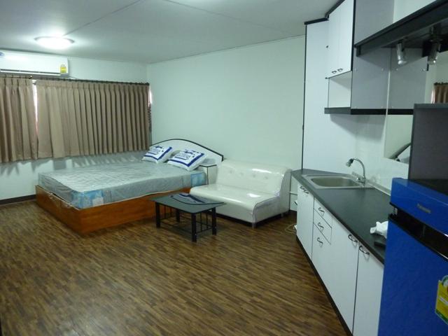 ให้เช่าห้อง   ข้างห้องมุม อาคาร T4 ชั้น 4