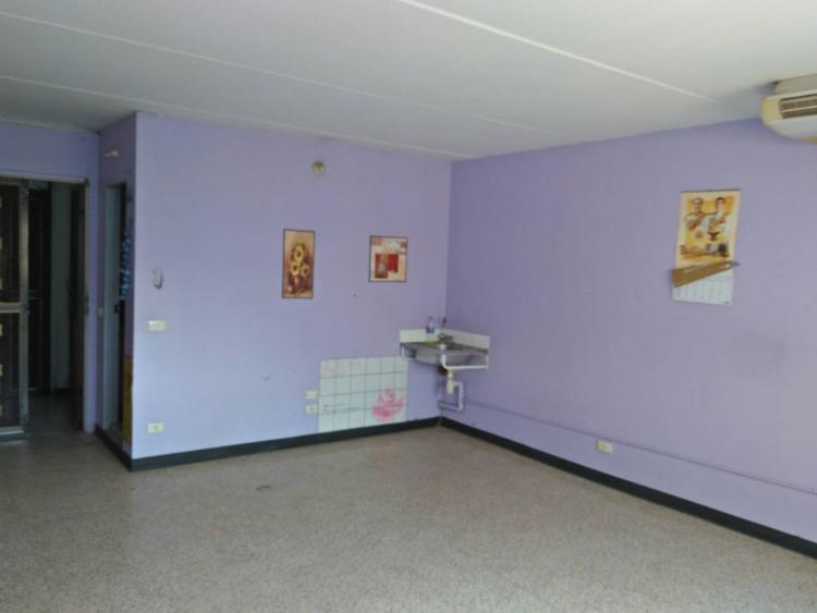 ให้เช่าห้อง   ห้องเล็กด้านใน อาคาร C7 ชั้น 13