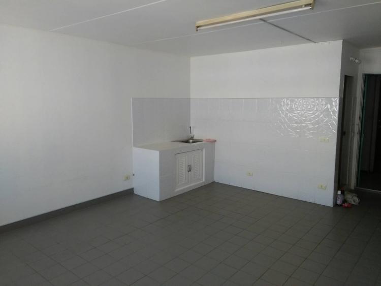 ให้เช่าห้อง   ห้องเล็กด้านนอก อาคาร C7 ชั้น 14