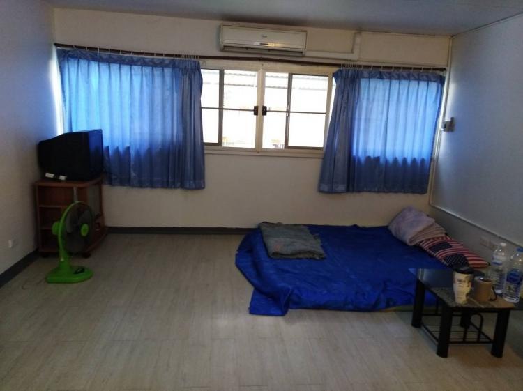 ให้เช่าห้อง   ห้องเล็กด้านใน อาคาร C9 ชั้น 3