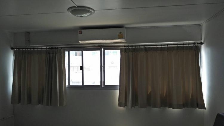 ให้เช่าห้อง   ห้องขนาดกลางด้านนอก อาคาร T5 ชั้น 12