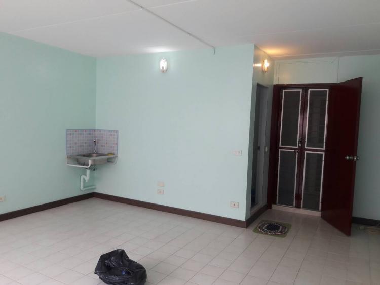 ให้เช่าห้อง   ห้องขนาดกลางด้านใน อาคาร C7 ชั้น 11