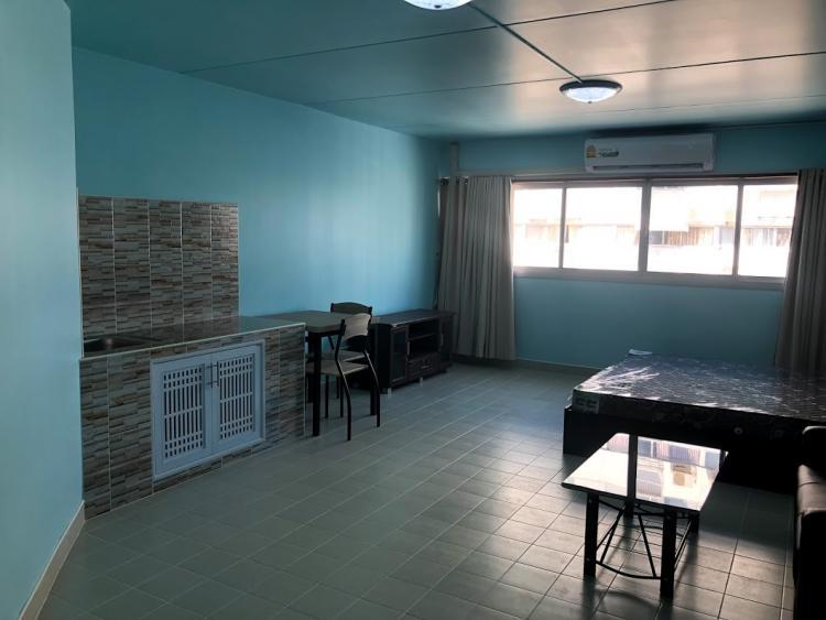 ให้เช่าห้อง   ข้างห้องมุม อาคาร C8 ชั้น 11