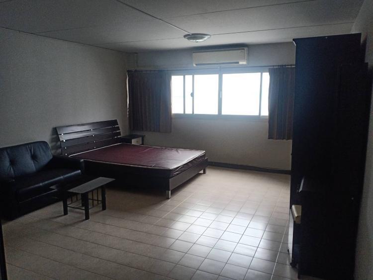ให้เช่าห้อง   ห้องเล็กด้านนอก อาคาร C2 ชั้น 13