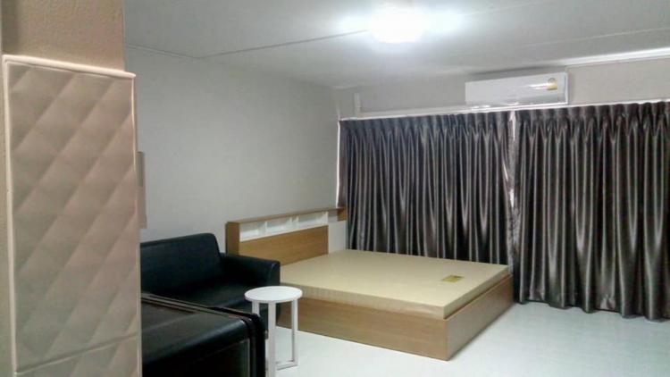 ให้เช่าห้อง   ห้องเล็กด้านนอก อาคาร C6 ชั้น 9