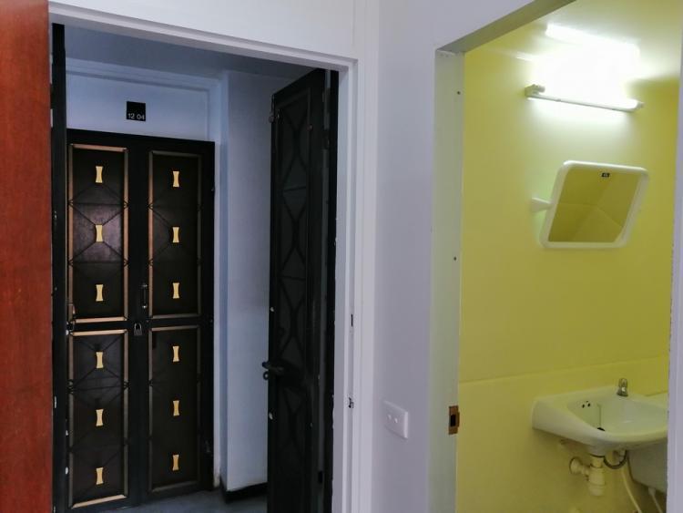 ให้เช่าห้อง   ห้องเล็กด้านนอก อาคาร T3 ชั้น 10