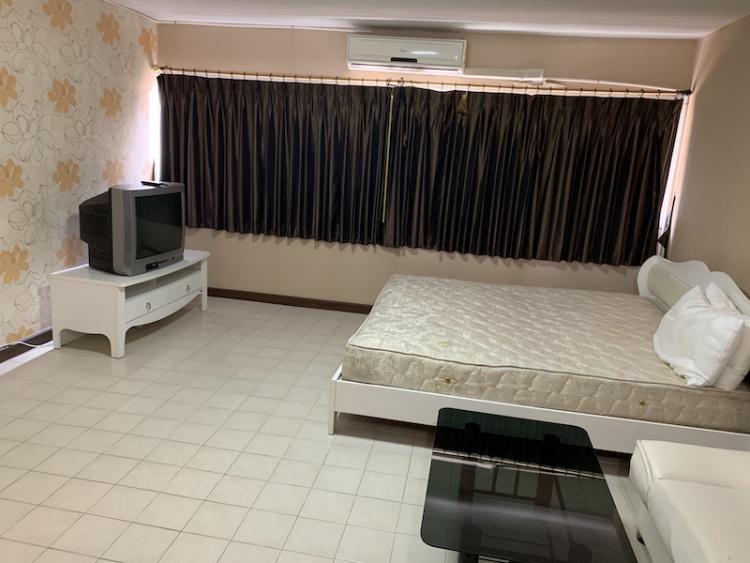ให้เช่าห้อง   ห้องเล็กด้านใน อาคาร P2 ชั้น 12