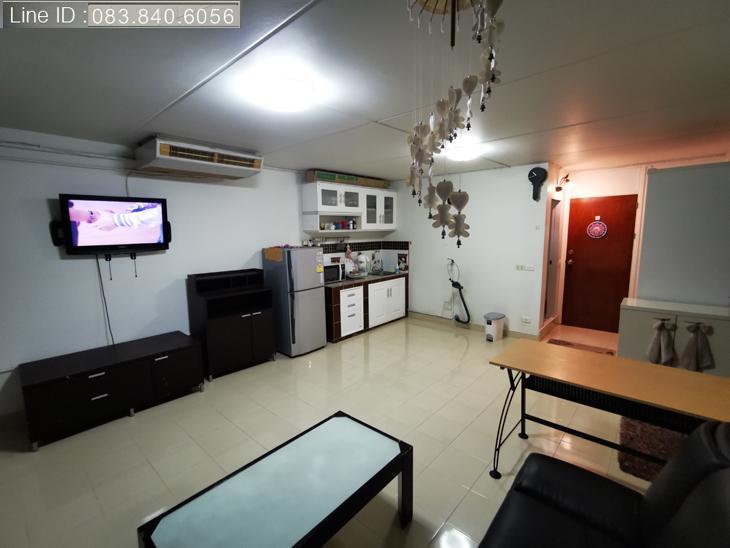 ให้เช่าห้อง   ห้องขนาดกลางด้านนอก อาคาร P1 ชั้น 1