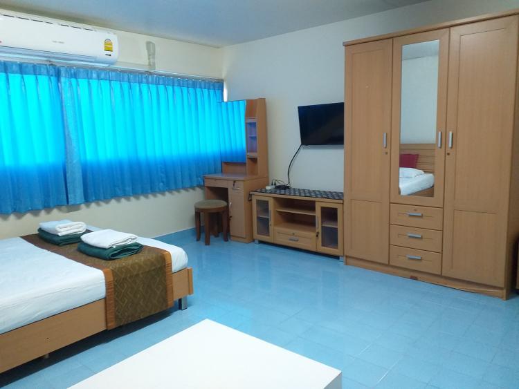 ให้เช่าห้อง   ห้องเล็กด้านนอก อาคาร T9 ชั้น 10