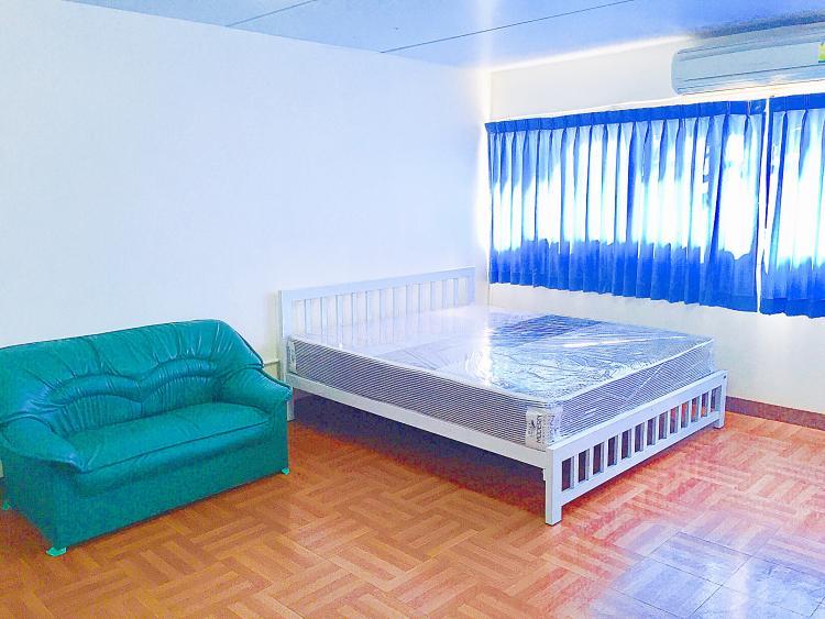 ให้เช่าห้อง   ห้องเล็กด้านนอก อาคาร C5 ชั้น 10