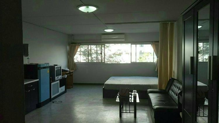 ให้เช่าห้อง   ห้องเล็กด้านนอก อาคาร C2 ชั้น 4
