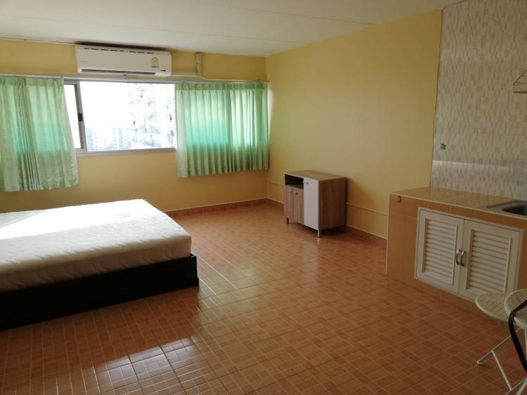ให้เช่าห้อง   ข้างห้องมุม อาคาร C7 ชั้น 12