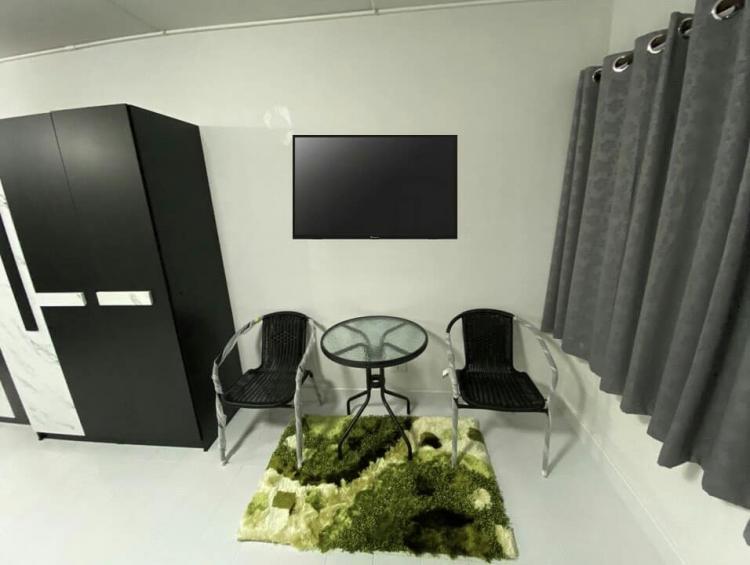 ให้เช่าห้อง   ห้องเล็กด้านใน อาคาร T8 ชั้น 2