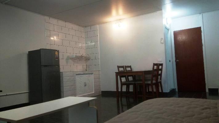 ให้เช่าห้อง   ห้องมุม อาคาร P2 ชั้น 15