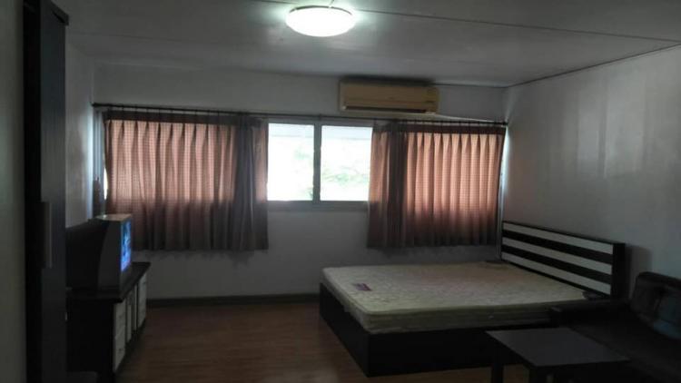 ให้เช่าห้อง   ข้างห้องมุม อาคาร T11 ชั้น 2