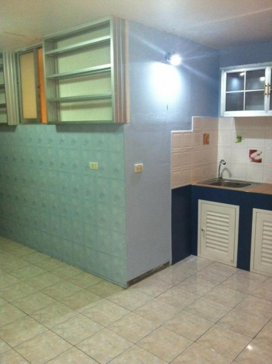 ให้เช่าห้อง   ห้องมุม อาคาร C8 ชั้น 8